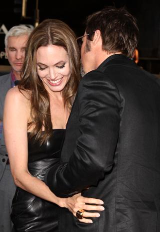 Angelina Jolie �s Brad Pitt legszerelmesebb pillanatai