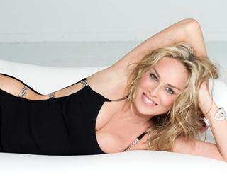58 éves lett a még mindig észbontóan dögös Sharon Stone